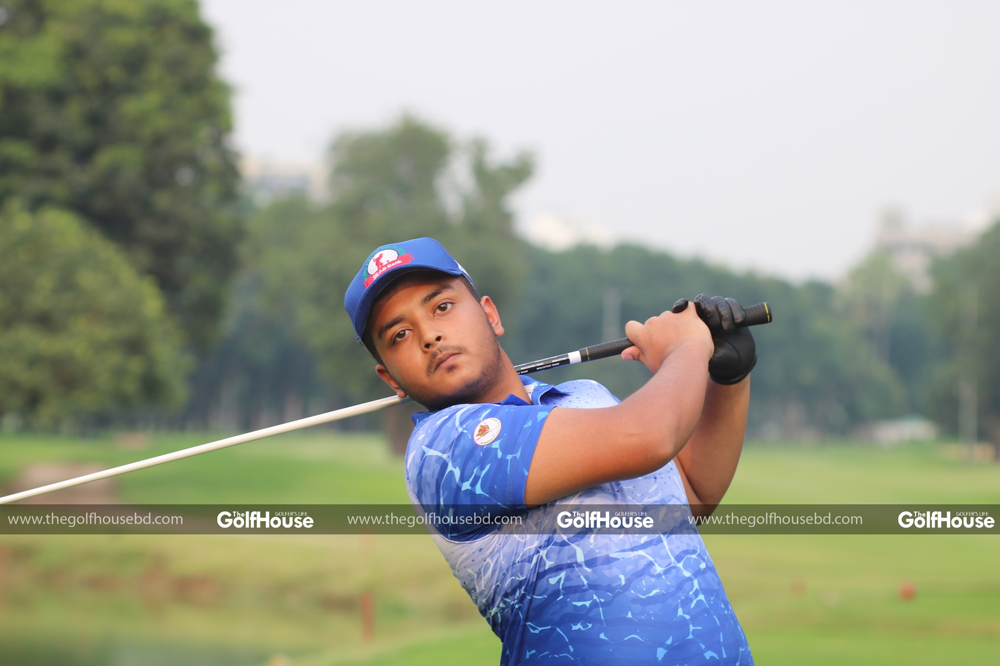 Samaul_Islam_is_an_amateur_golfer_at_the_Kurmitola_Golf_Club._Like_many_other_amateur_golfers_Samaul_was_introduced_to_the_game_by_his_father_at_a_very_early_age_and_took_an_instant_liking_to_the_game_and_the_other_aspects_that_golf_brings_with _t.
