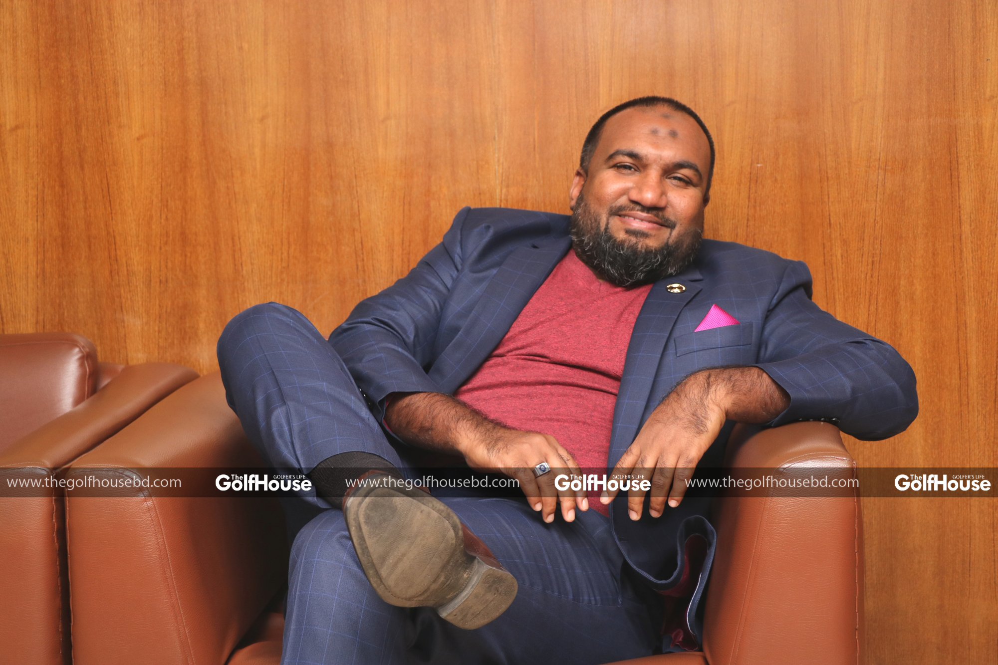 Mushtaq_Luhar_is_the_general_manager_of_the_Peninsula_Hotel_in_Chittagong.